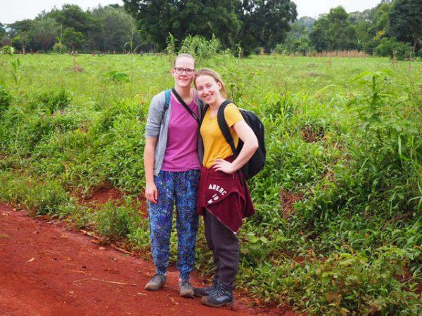 Twee nieuwe studenten uit Leiden doen onderzoek in het Kabanga Hospital